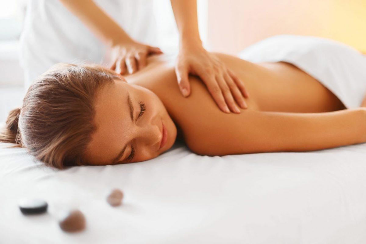 Massage cho nữ tại nhà